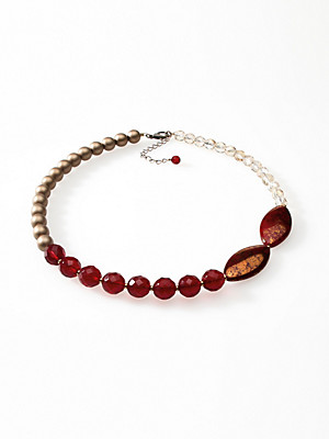 Peter Hahn - Le collier en pierres et perles