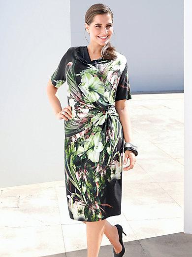 Emilia Lay - La robe